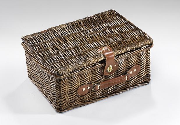 picknickkoffer f r 4 personen aus weide picknickk rbe locker b2b shop. Black Bedroom Furniture Sets. Home Design Ideas